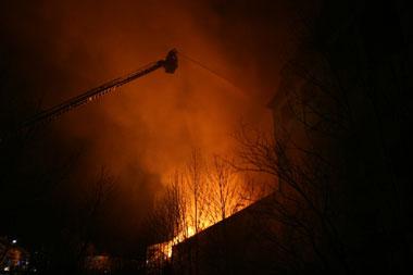 Brand einer Lagerhalle in Hirschwang