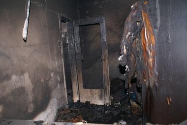 die Wohnung stand beim Eintreffen der Feuerwehr bereits in Vollbrand