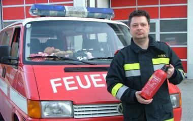 Feuerlöscher in jedes Fahrzeug