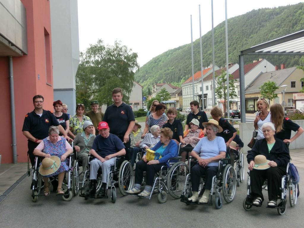 gemeinsamer Ausflug von Landespflegeheim Gloggnitz und der Feuerwehr