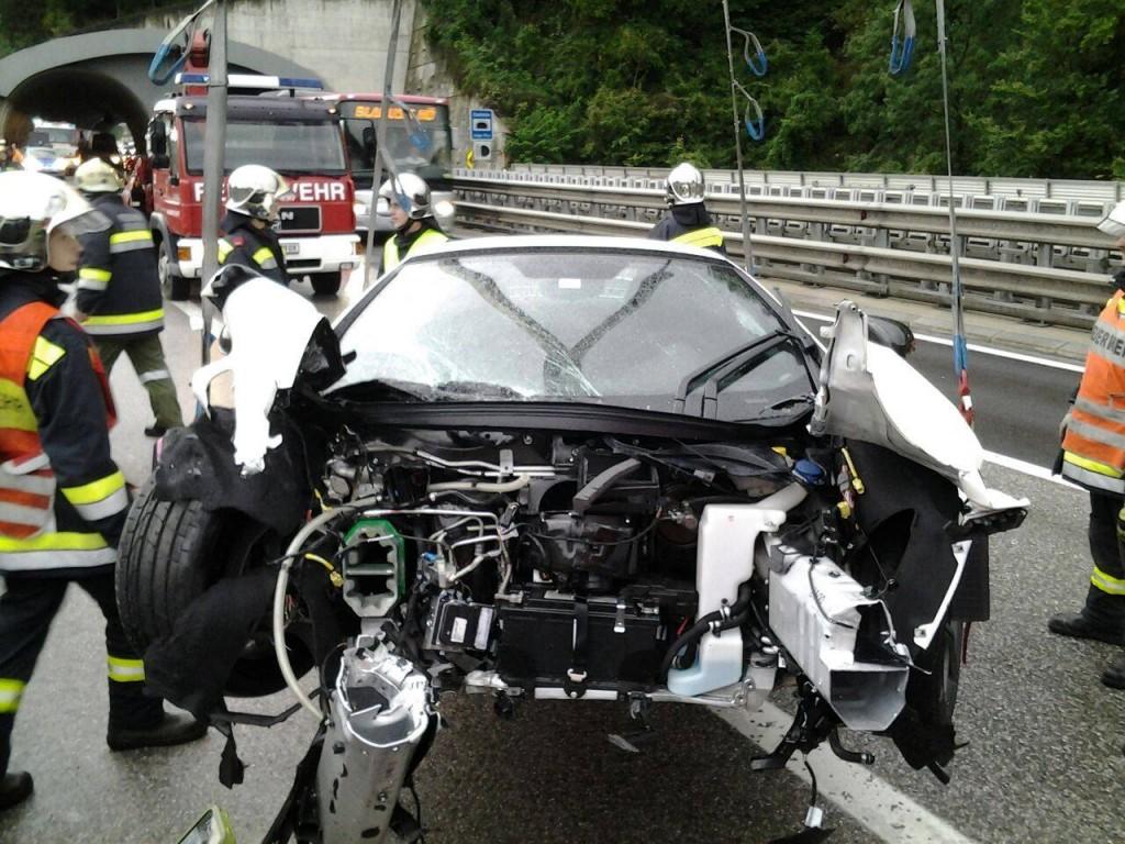 McLaren verunfallt auf der S6