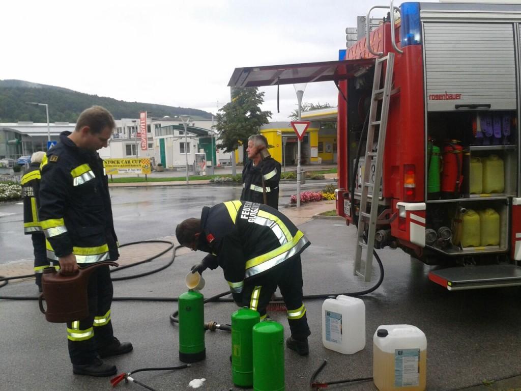 Bioversal bei der Beseitigung einer Dieselspur