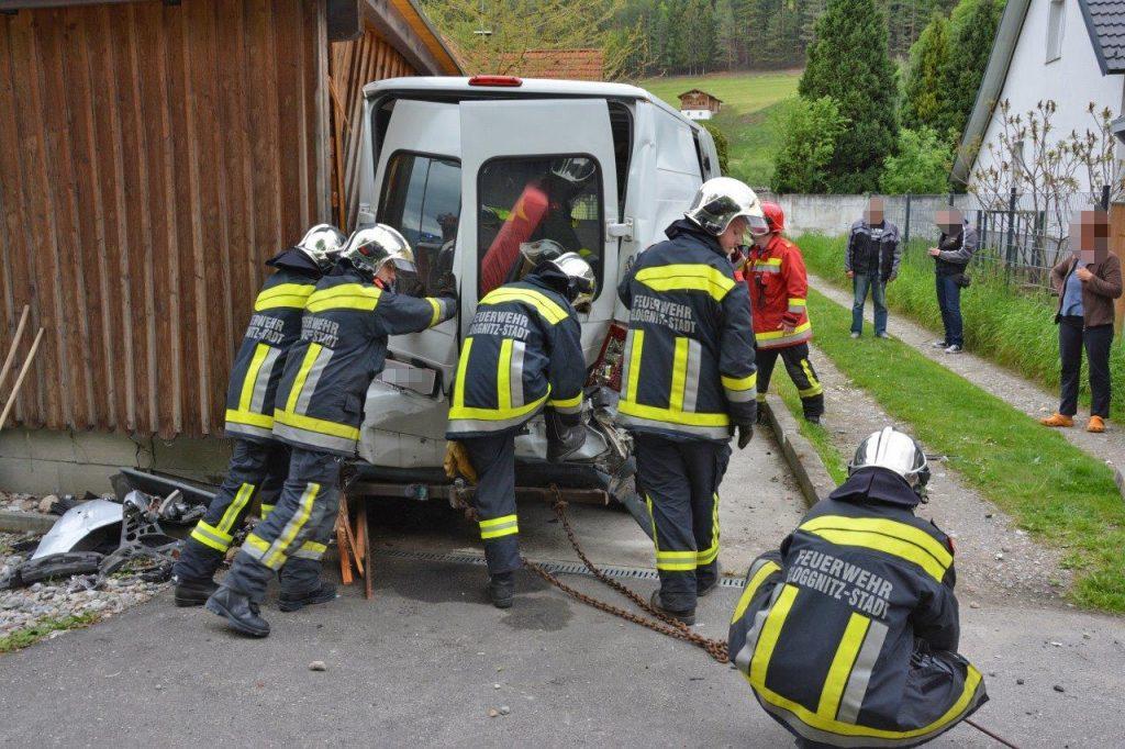 Ein Verkehrsunfall am Freitag den 13. in Gloggnitz